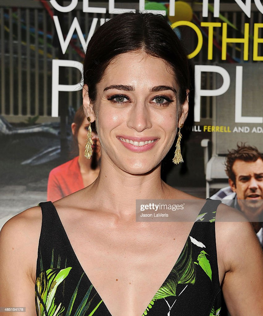 Actress Lizzy Caplan attends the tastemaker screening of IFC Films' 'Sleeping With Other People' on August 24, 2015 in West Hollywood, California.