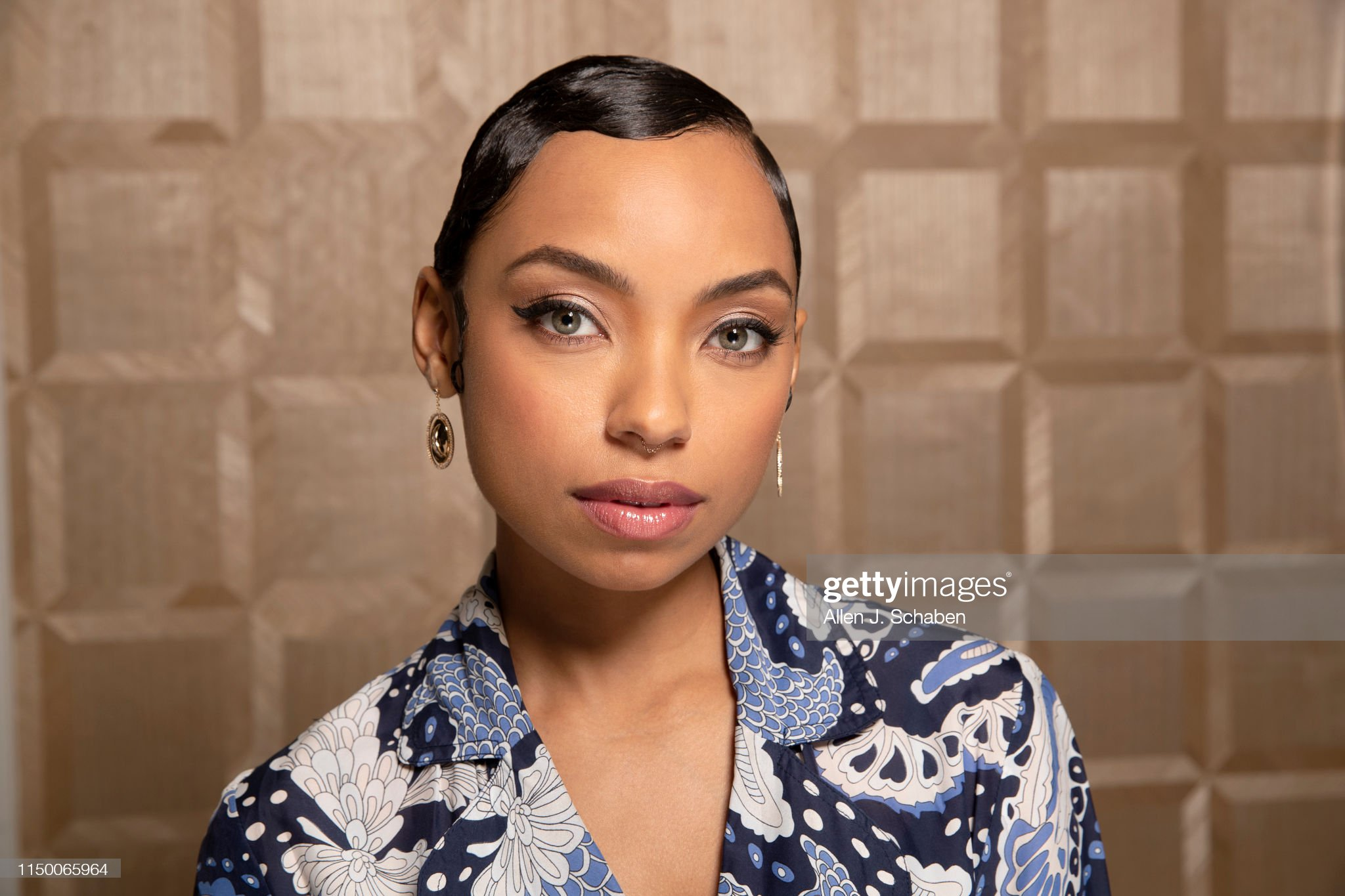 Ojos verdes - Famosas y famosos con los ojos de color VERDE Actress-logan-browning-is-photographed-for-los-angeles-times-on-may-picture-id1150065964?s=2048x2048