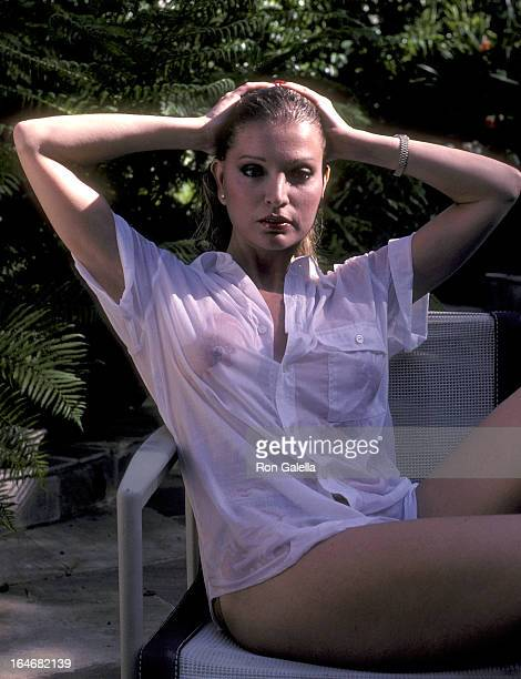 Actress Lois Hamilton poses for photographs on May 3 1983 at her home in Los Angeles California