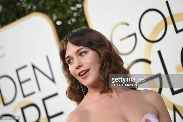 Actress Lola Kirke arrives at the 74th annual Golden Globe Awards January 8 at the Beverly Hilton Hotel in Beverly Hills California / AFP / VALERIE...