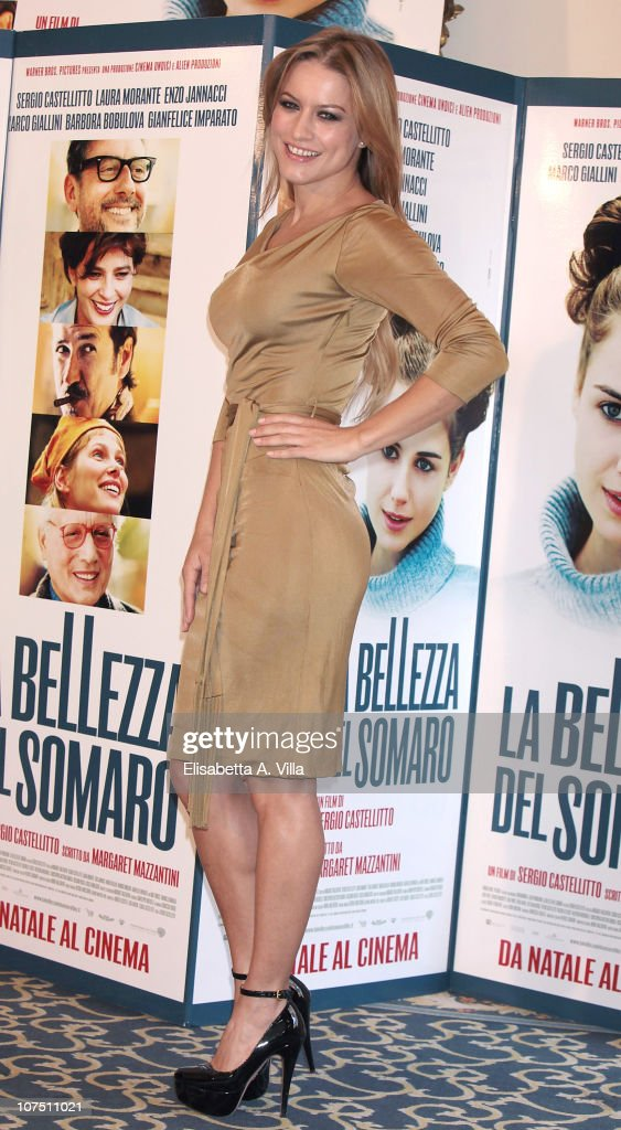 Actress Lola Ponce attends 'La Bellezza Del Somaro' photocall at the Bernini Bristol Hotel on December 10, 2010 in Rome, Italy.