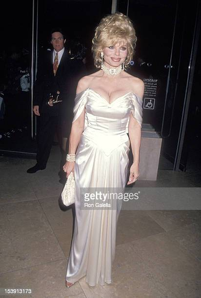 Actress Loni Anderson attends the Michael Bolton Foundation and Barry Bonds Family Foundation's First Annual Field of Dreams Awards on November 6...