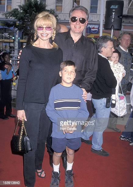 Actress Loni Anderson boyfriend Geoff Brown and her son Quinton Reynolds attend The Rugrats Movie Hollywood Premiere on November 8 1998 at the Mann's...