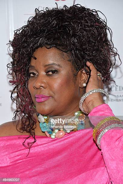 Actress Loretta Devine arrives at the What A Pair! Benefit Concert to support breast cancer research and education programs at the Cedars-Sinai...