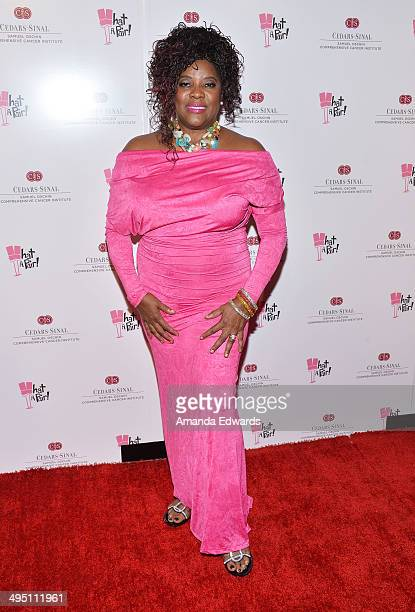 Actress Loretta Devine arrives at the What A Pair Benefit Concert to support breast cancer research and education programs at the CedarsSinai Samuel...