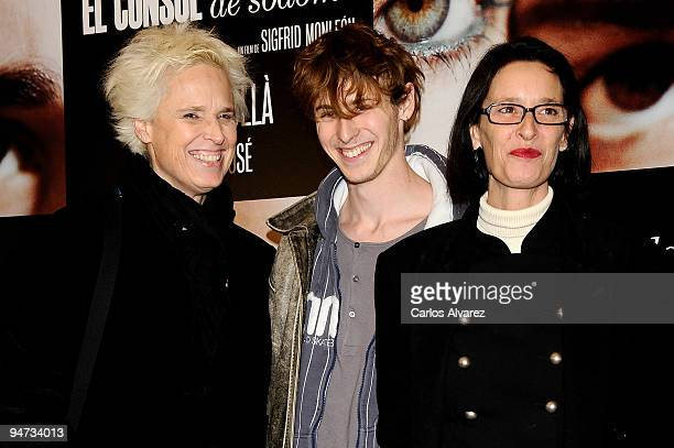 "Actress Lucia Bose, Nicolas Coronado and Paola Dominguin attend the ""El Consul de Sodoma"" premiere at Palafox cinema on December 17, 2009 in Madrid,..."
