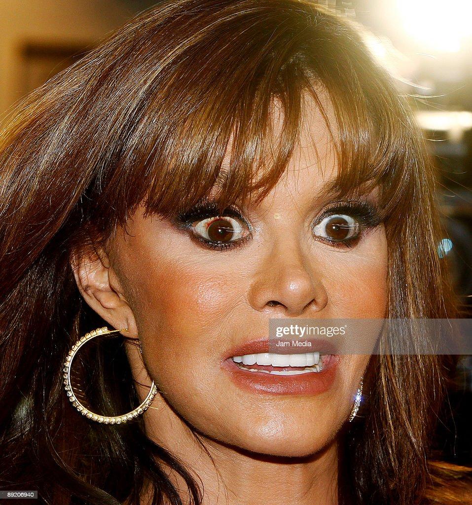 Actress Lucia Mendez a...