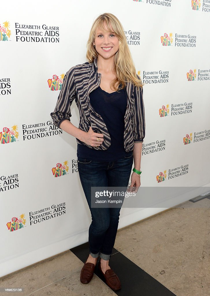"Elizabeth Glaser Pediatric AIDS Foundation's 24th Annual ""A Time For Heroes"" - Red Carpet"