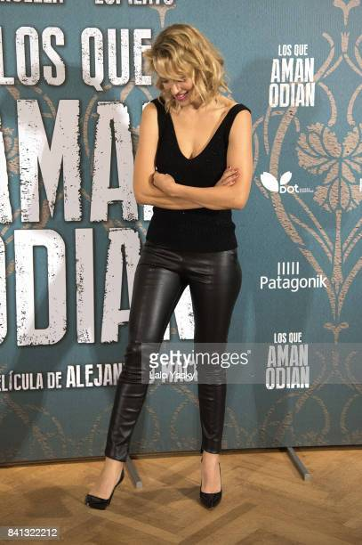 Actress Luisana Lopilato attends a photocall for 'Los Que Aman Odian' at the Alvear Palace Hotel on August 31 2017 in Buenos Aires Argentina