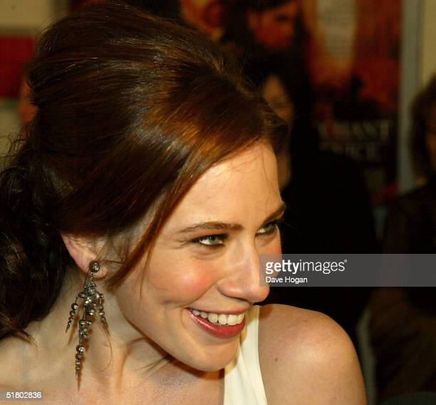 "Actress Lynn Collins arrives at the UK film premiere of ""Merchant Of Venice"" at Odeon Leicester Square on November 29, 2004 in London."