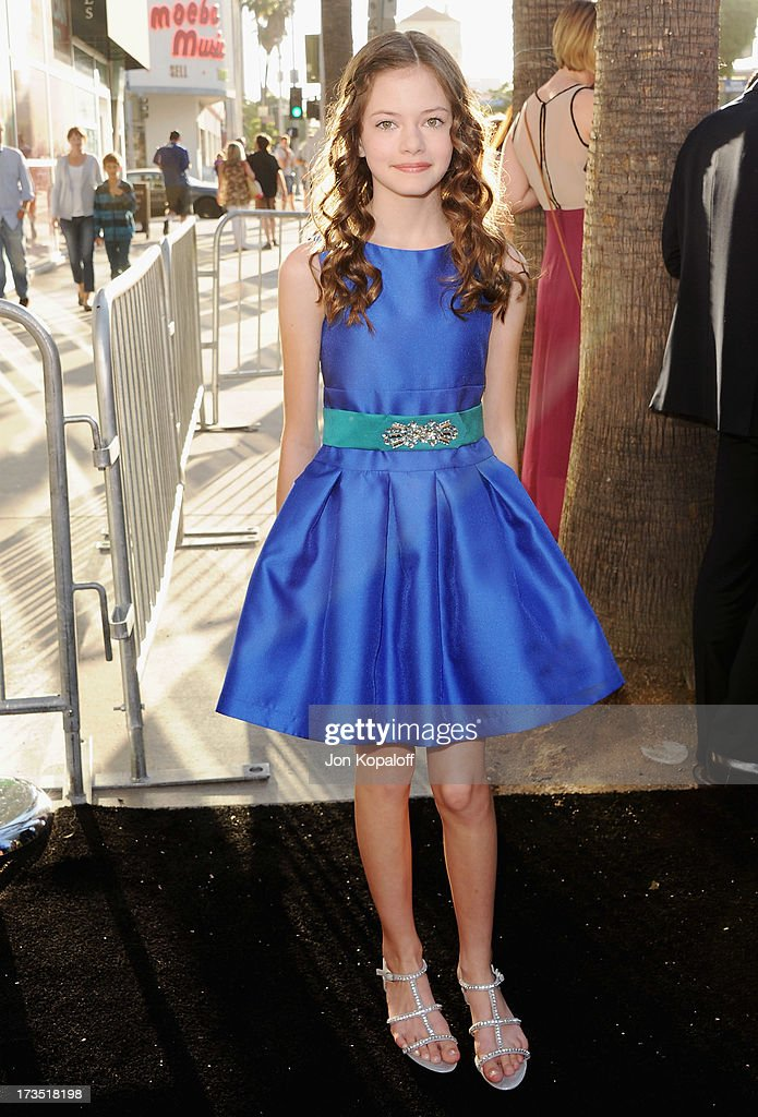Actress Mackenzie Foy arrives at the Los Angeles Premiere 'The Conjuring' at ArcLight Cinemas Cinerama Dome on July 15, 2013 in Hollywood, California.