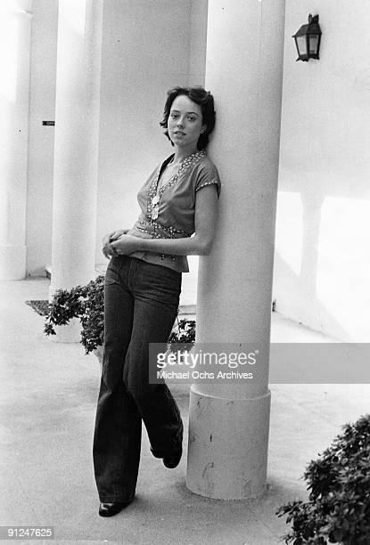 Actress Mackenzie Phillips poses for a portrait session at home on December 3 1976 in Los Angeles California
