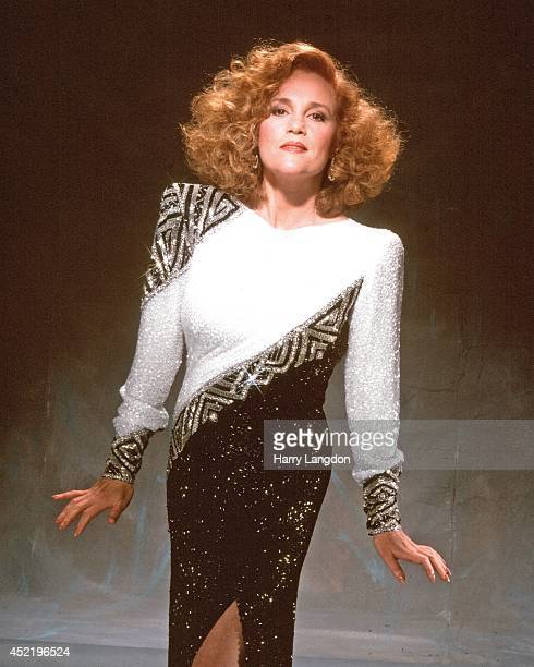 Actress Madeline Kahn poses for a portrait in 1985 in Los Angeles California