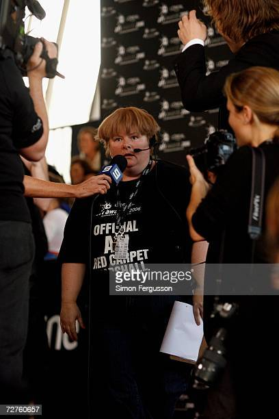 Actress Magda Szubanski looks stunned after being kissed by Actor Heath Ledger at the L'Oreal Paris 2006 AFI Awards at the Melbourne Exhibition...