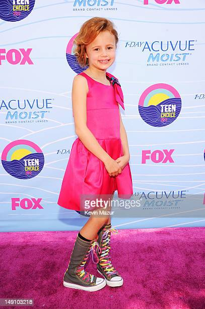 Actress Maggie Elizabeth Jones arrives at the 2012 Teen Choice Awards at Gibson Amphitheatre on July 22, 2012 in Universal City, California.