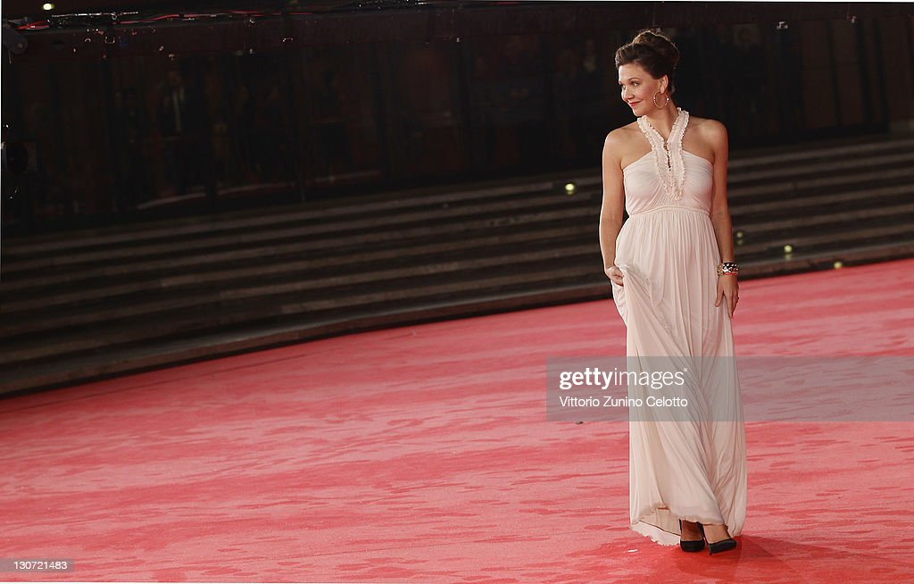 Actress Maggie Gyllenhaal attends the 'Hysteria' Premiere at Auditorium Parco Della Musica on October 28, 2011 in Rome, Italy.