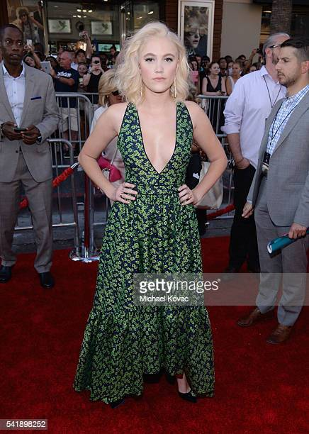 Actress Maika Monroe attends the 'Independence Day Resurgence' premiere sponsored by Jeep at TCL Chinese Theatre on June 20 2016 in Hollywood...