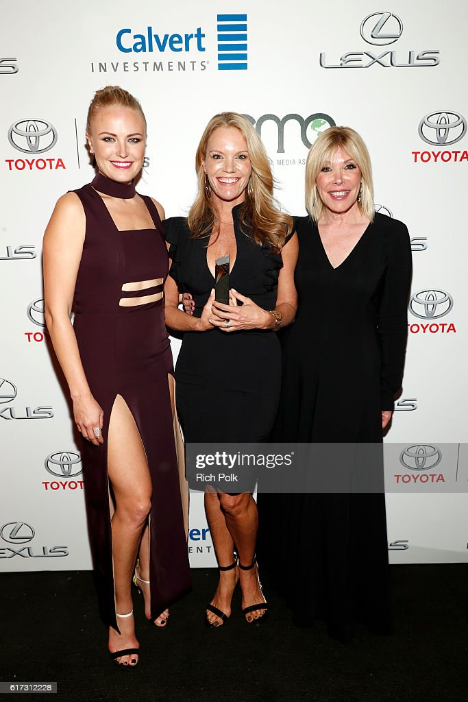 Actress Malin Akerman, honoree Robyn O'Brien and president, EMA Debbie Levin pose with award during the Environmental Media Association 26th Annual EMA Awards Presented By Toyota, Lexus And Calvert at Warner Bros. Studios on October 22, 2016 in Burbank, California.
