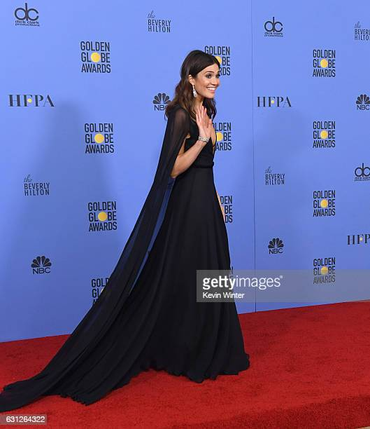 Actress Mandy Moore poses in the press room during the 74th Annual Golden Globe Awards at The Beverly Hilton Hotel on January 8 2017 in Beverly Hills...