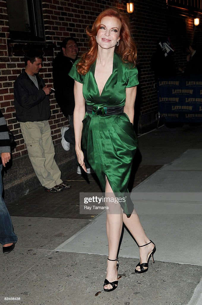 Actress Marcia Cross visits the 'Late Show with David Letterman' at the Ed Sullivan Theater on October 27, 2008 in New York City.