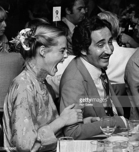 Actress Margaux Hemingway and husband Erroll Wetson attend Straw Hat Awards on May 29, 1975 at Jimmy's Restaurant in Beverly Hills, California.