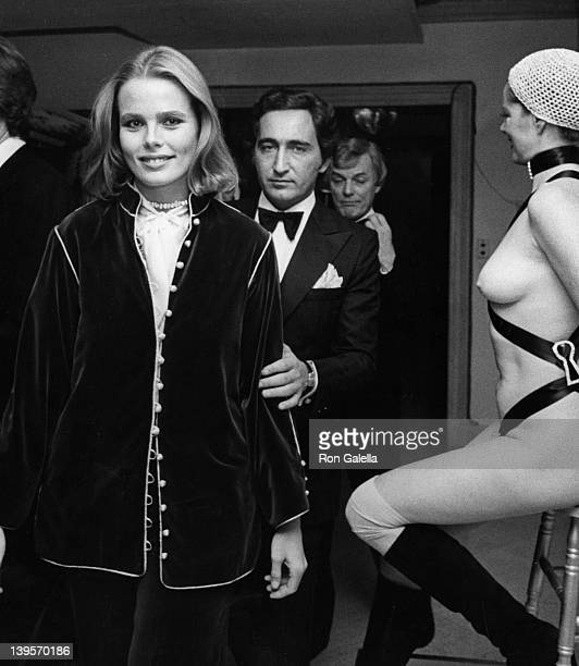 Actress Margaux Hemingway and husband Erroll Wetson attend the opening of Nicola Simbari Art Exhibit on November 4 1976 at the Wally Finely Gallery...