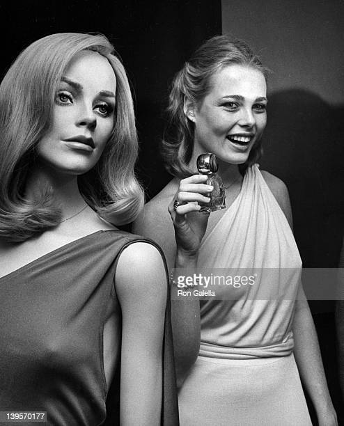 Actress Margaux Heminway attends the press conference for Babe on November 17 1975 at Cecil's in New York City