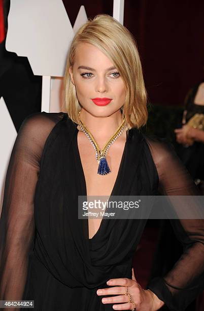 Actress Margot Robbie arrives at the 87th Annual Academy Awards at Hollywood & Highland Center on February 22, 2015 in Hollywood, California.