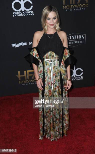 Actress Margot Robbie arrives for the 21st Annual Hollywood Film Awards held at The Beverly Hilton Hotel on November 5 2017 in Beverly Hills...