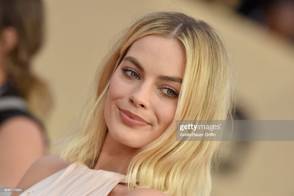 Actress Margot Robbie attends the 24th Annual Screen Actors Guild Awards at The Shrine Auditorium on January 21, 2018 in Los Angeles, California.