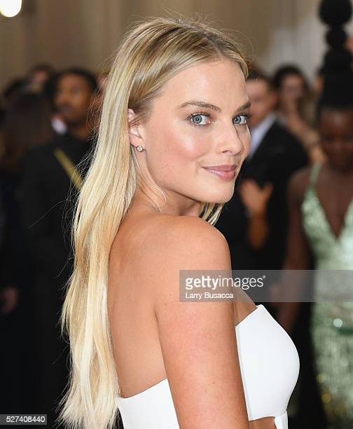 Actress Margot Robbie attends the Manus x Machina Fashion In An Age Of Technology Costume Institute Gala at Metropolitan Museum of Art on May 2 2016...