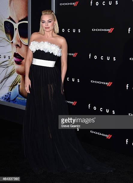 """Actress Margot Robbie attends the Warner Bros. Pictures' """"Focus"""" premiere at TCL Chinese Theatre on February 24, 2015 in Hollywood, California."""