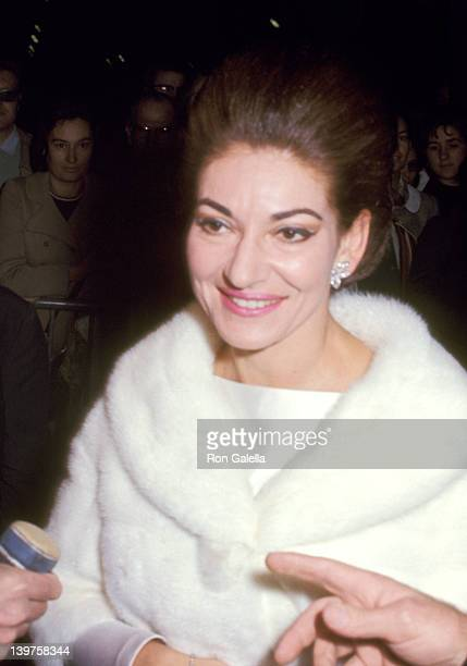 Actress Maria Callas attends the premiere of A Flea In Her Ear on October 18 1968 at the Marigny Theater in Paris France