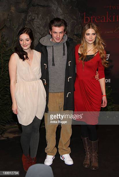 Actress Maria Ehrich actor Jannis Niewoehner and actress Laura Berlin attend the Germany Premiere of 'The Twilight Saga Breaking Dawn Part 1 Biss zum...