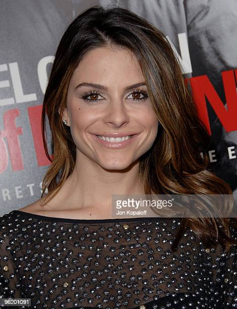 """Actress Maria Menounos arrives at the Los Angeles Premiere """"Edge Of Darkness"""" at Grauman's Chinese Theatre on January 26, 2010 in Hollywood,..."""