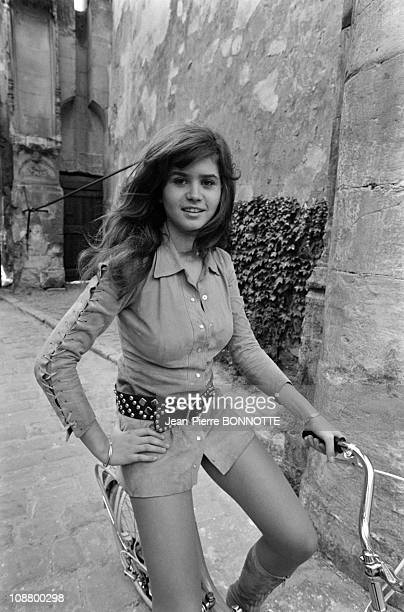 actress Maria Schneider on the set of the movie Madly directed by Roger Kahane in 1970