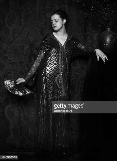 Actress Maria Welfers wearing an evening gown Picture by Karl Schenker 1919