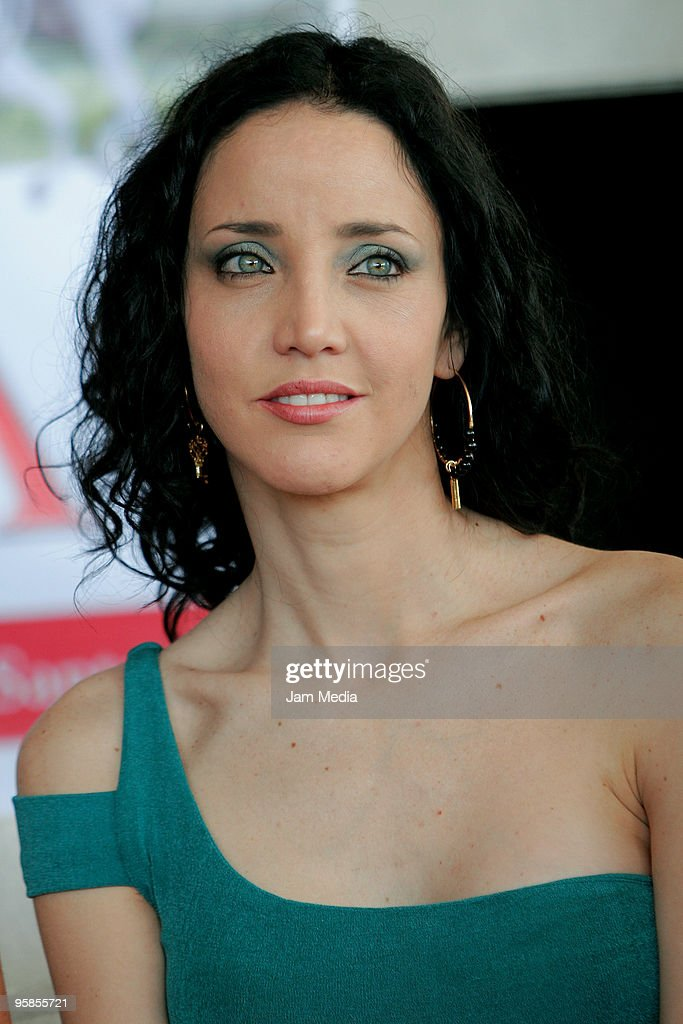 Mariana Penalva Nude Photos 5
