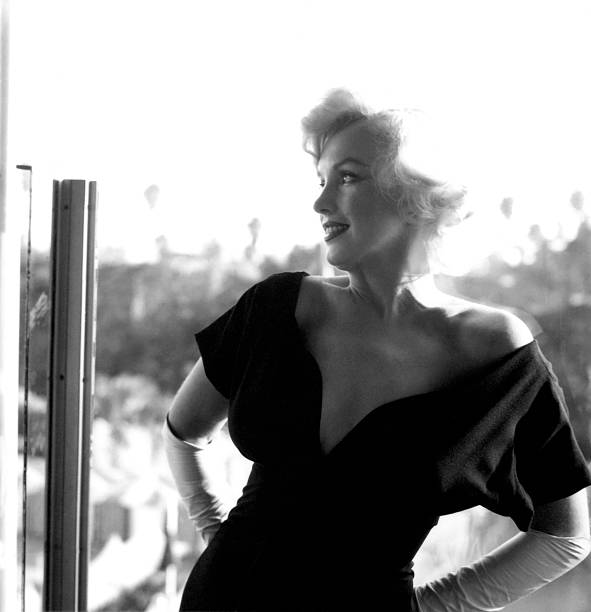Marilyn Monroe At The Beverly Hills Hotel