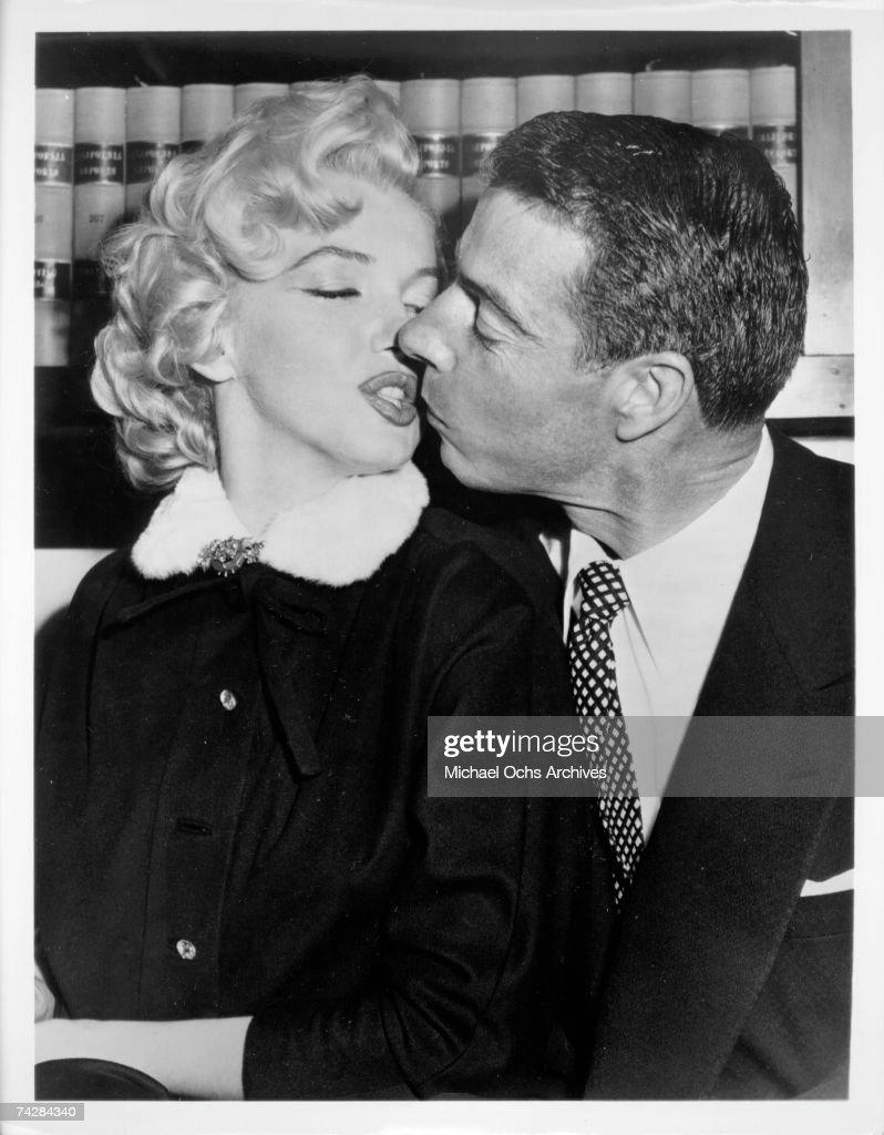 Marilyn & Joltin' Joe : News Photo