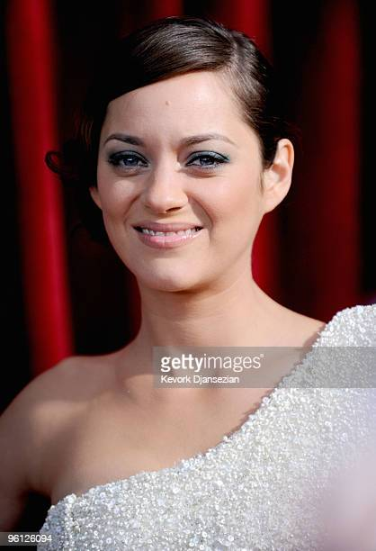 Actress Marion Cotillard arrives at the 16th Annual Screen Actors Guild Awards held at the Shrine Auditorium on January 23 2010 in Los Angeles...