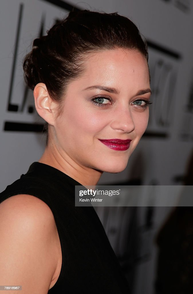 Actress Marion Cotillard arrives at the 2007 LA Film Critic's Choice Awards held at the InterContinental on January 12, 2008 in Los Angeles, California.
