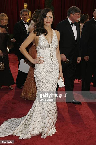 Actress Marion Cotillard arrives at the 80th Annual Academy Awards held at the Kodak Theatre on February 24, 2008 in Hollywood, California.