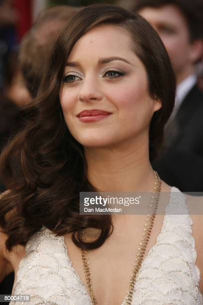 Actress Marion Cotillard arrives on the red carpet for The 80th Annual Academy Awards held at the Kodak Theater on February 24 2008 in Hollywood...