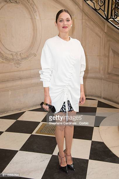 Actress Marion Cotillard attends the Christian Dior show as part of the Paris Fashion Week Womenswear Spring/Summer 2017 on September 30 2016 in...