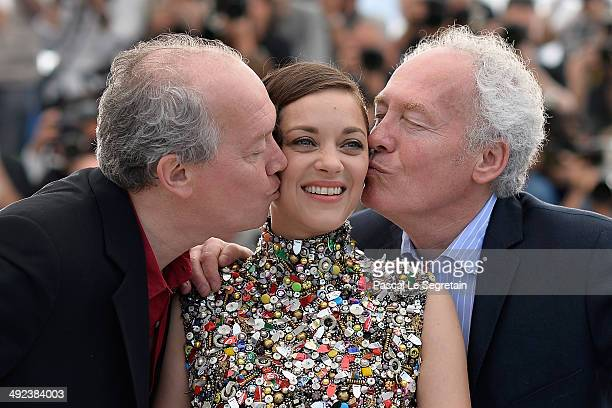 "Actress Marion Cotillard with directors Luc Dardenne and Jean-Pierre Dardenne attend the ""Two Days, One Night"" photocall during the 67th Annual..."