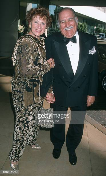 Actress Marion Ross and Paul Michael attending 'Miracles Gala Dinner Honoring Rosie O'Donnell' on August 21 1998 at the Beverly Hilton Hotel in...