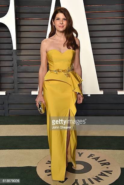 Actress Marisa Tomei arrives at the 2016 Vanity Fair Oscar Party Hosted By Graydon Carter at Wallis Annenberg Center for the Performing Arts on...