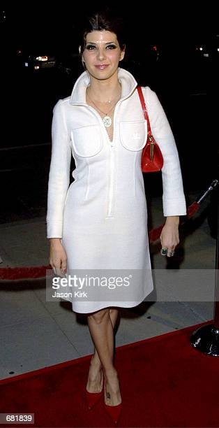 Actress Marisa Tomei arrives at the Los Angeles premiere of In the Bedroom November 15 2001 in Los Angeles CA