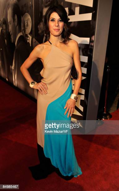 Actress Marisa Tomei attends the 2009 Vanity Fair Oscar party hosted by Graydon Carter at the Sunset Tower Hotel on February 22, 2009 in West...